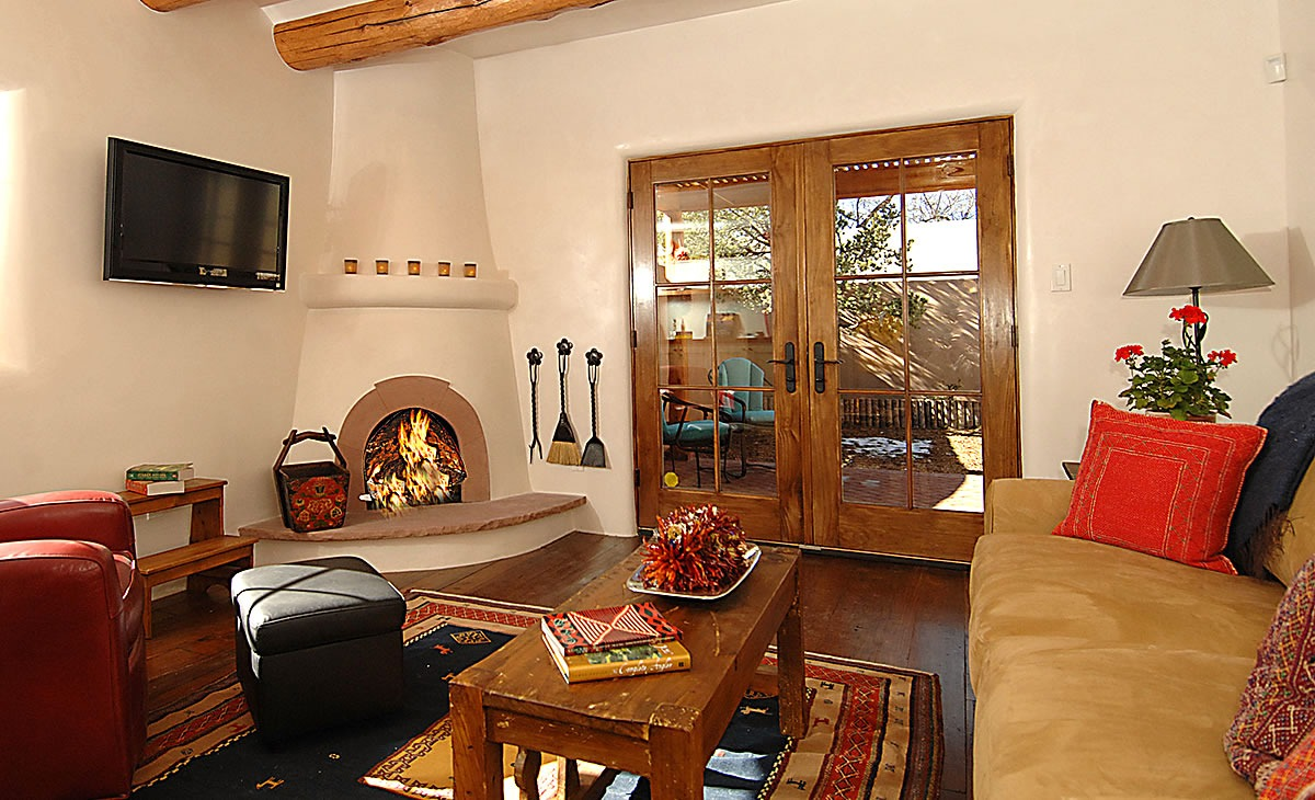 A Gorgeous Luxury Vacation Rentals in Santa Fe by Aqui Santa Fe