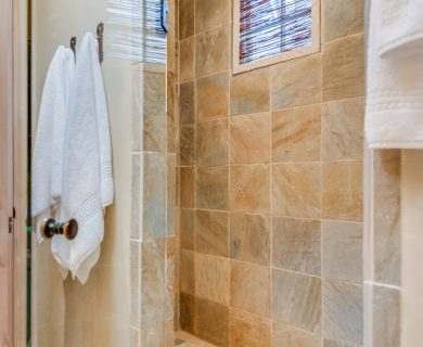 Santa Fe Vacation Rental with Luxury Walk-In Shower