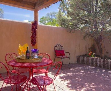Southwest Style Vacation Rental With Enclosed Patio Santa Fe