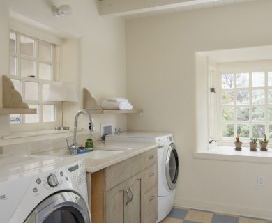 Luxury Vacation Rentals Santa Fe - Laundry Room