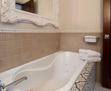 Jacuzzi Style Bath in Queen Bathroom