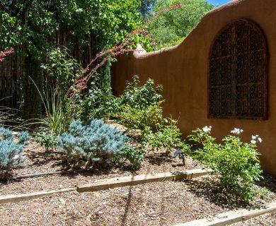 Front of Casa Bella Casita Garden